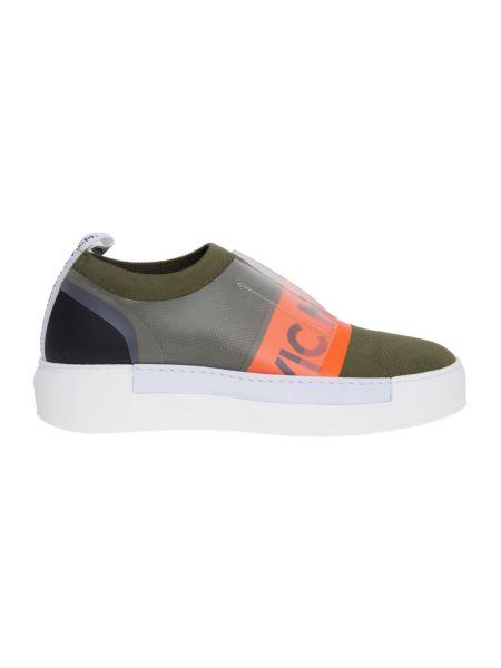 Zielone sneakersy skorzane z wiązaniami Vic Matie