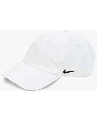 Бейсболка белая Nike