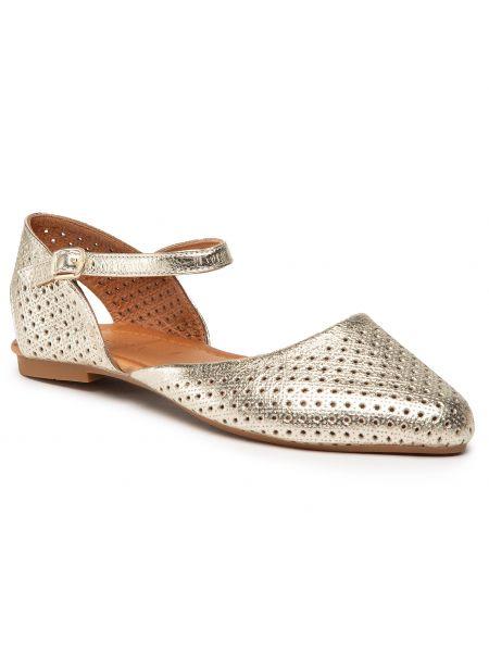 Złote sandały Badura