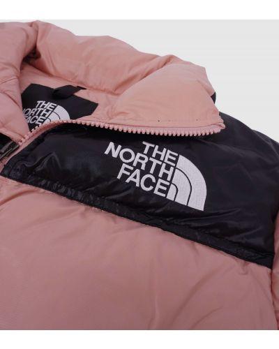 Розовая куртка с вышивкой The North Face