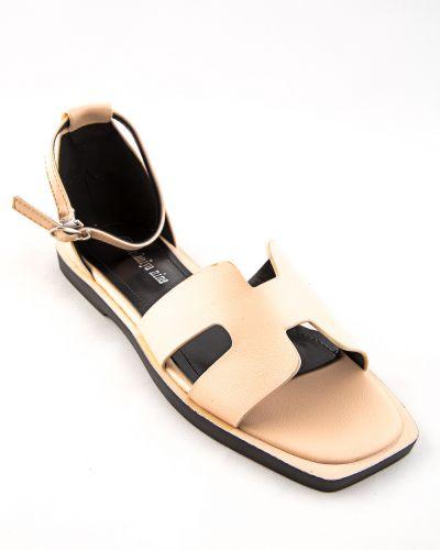 Бежевые туфли из искусственной кожи Stefaniya Nina