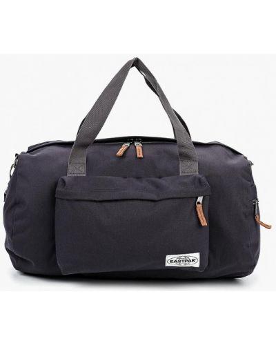 Серая спортивная сумка Eastpak