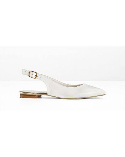 Белые балетки на каблуке Bonprix