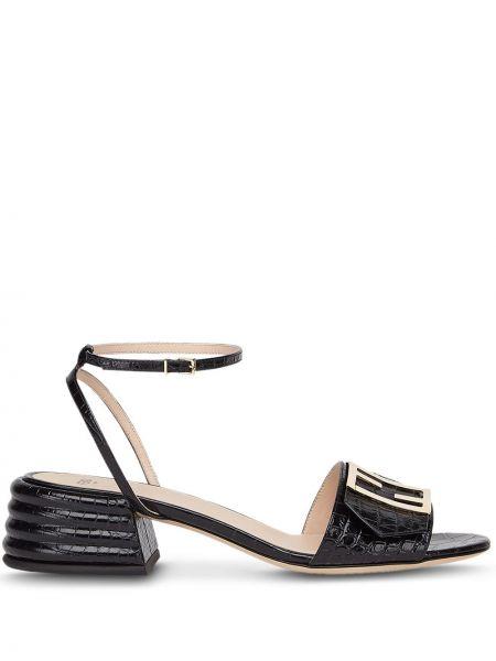 Skórzany czarny sandały z logo wytłoczony Fendi