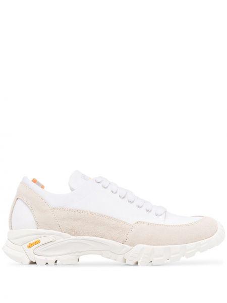 Белые кроссовки на шнуровке Diemme