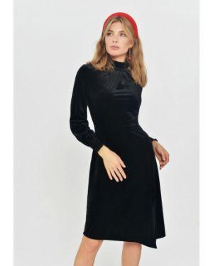 Платье прямое осеннее Mondigo