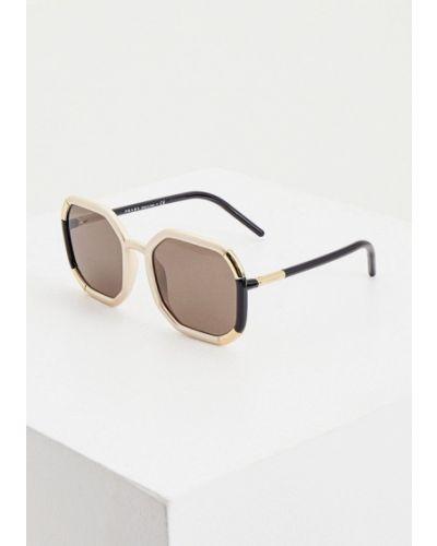 Бежевые солнцезащитные очки квадратные Prada