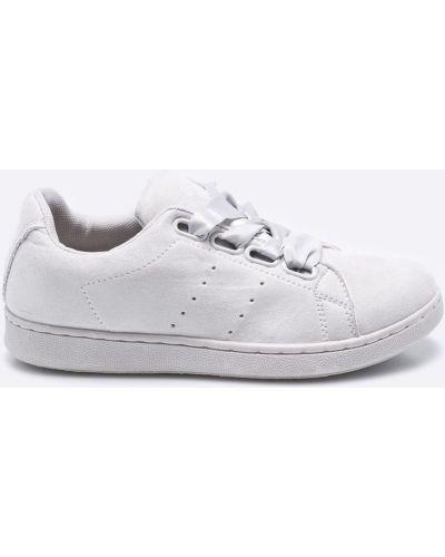 Низкие кеды теннисные на шнуровке Answear