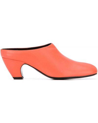 Кожаные оранжевые мюли на каблуке квадратные Dorateymur