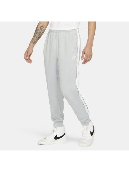 Szary joggery z napisem Nike