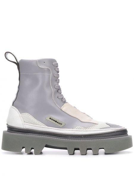Buty na obcasie na pięcie ażurowy Rombaut