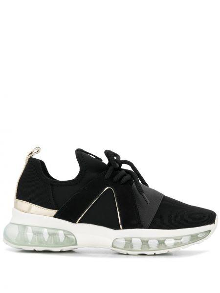 Кожаные черные кроссовки с нашивками на шнуровке Carvela