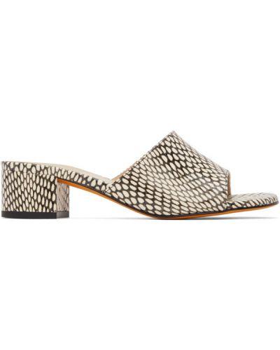 Białe sandały na obcasie skorzane Maryam Nassir Zadeh