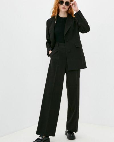 Костюмный черный брючный костюм Doroteya