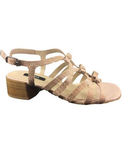 Beżowe sandały Zinda