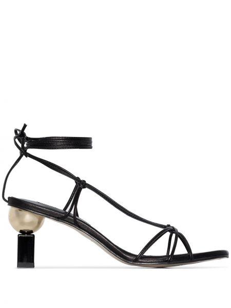 Кожаные черные босоножки квадратные с квадратным носком Yuul Yie