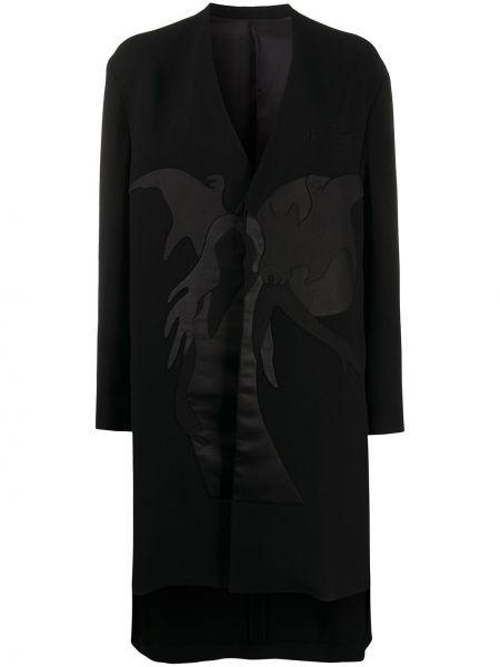 Черное длинное пальто с капюшоном с вырезом Undercover