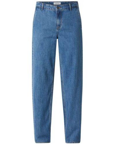Mom jeans bawełniane - niebieskie Modström