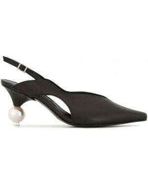 Черные туфли-лодочки на каблуке Yuul Yie