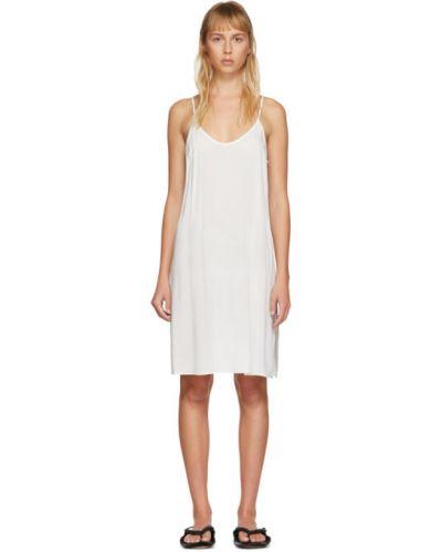 Белое платье без рукавов с воротником на бретелях Raquel Allegra
