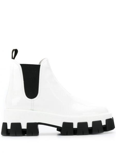 Ботинки на каблуке Prada