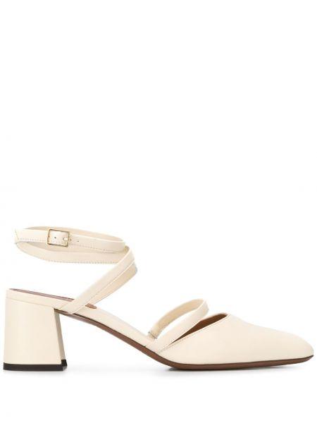Бежевые туфли-лодочки на каблуке с пряжкой L'autre Chose