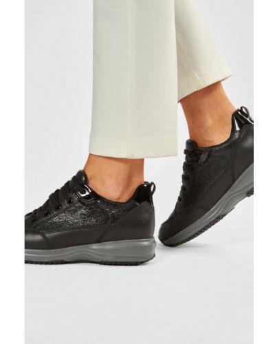 Czarne sneakersy Geox