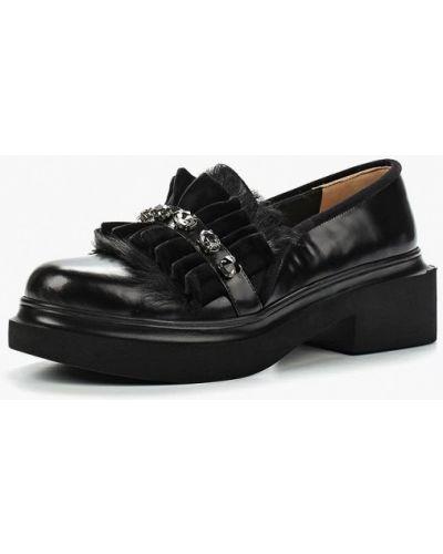 Лоферы черные на каблуке Ilvi