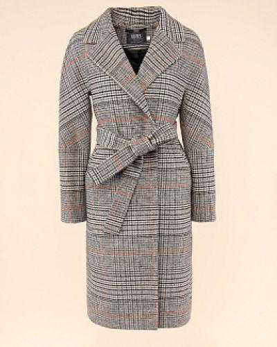Серое пальто с воротником твидовое каляев
