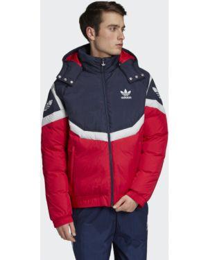 Пуховая красная облегченная зимняя куртка Adidas