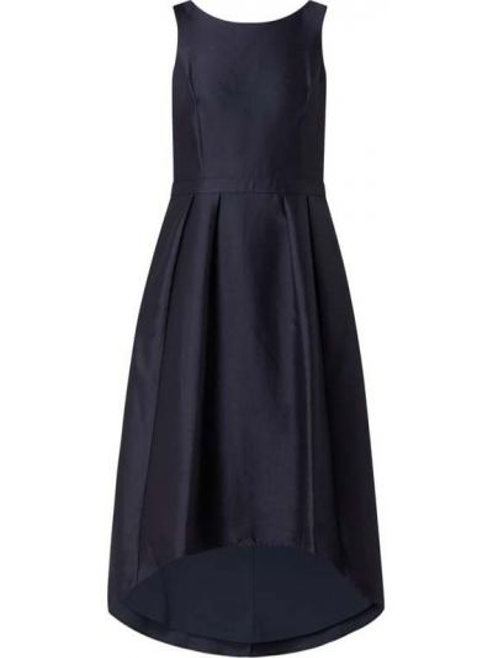 Niebieska sukienka koktajlowa rozkloszowana Apart Glamour