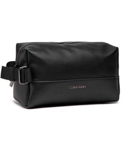 Czarna kosmetyczka Calvin Klein