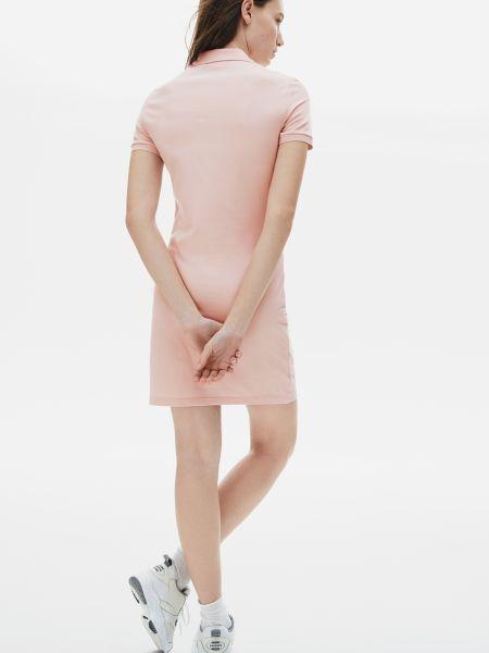 Розовое платье Lacoste