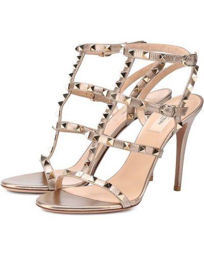 Босоножки на каблуке на шпильке кожаный Valentino