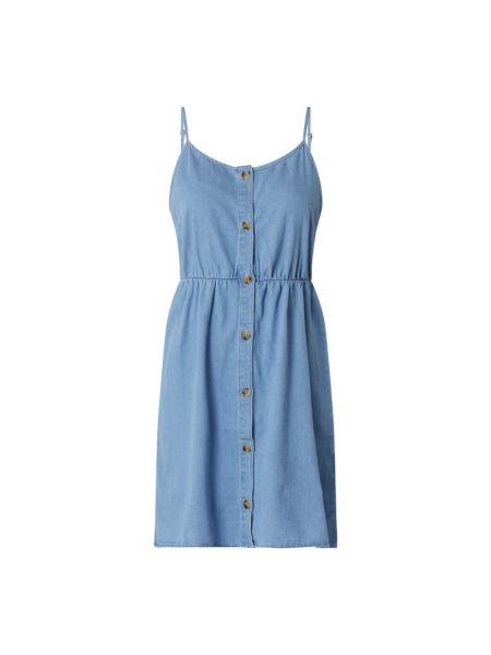 Niebieska sukienka jeansowa rozkloszowana bawełniana Vero Moda