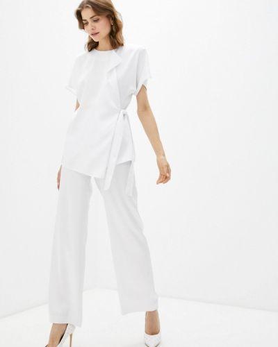 Белый костюм Seam