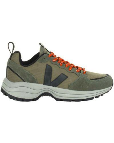Zielone sneakersy Veja