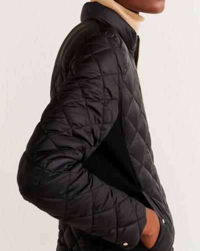 Прямая черная стеганая куртка Mango