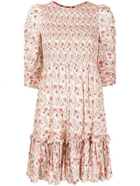 Różowa sukienka w kwiaty rozkloszowana Bytimo