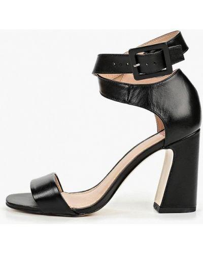 Босоножки на каблуке черный Calipso