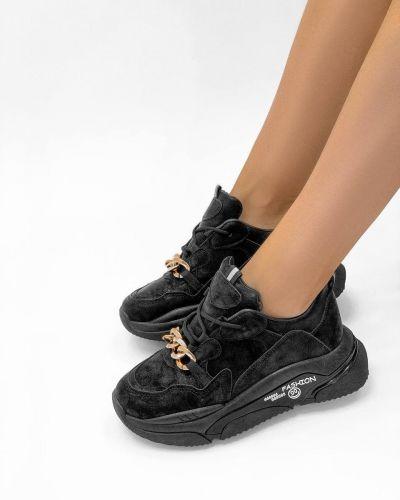 Кроссовки - черные Loretta
