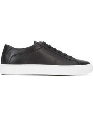 Черные кожаные кроссовки Koio