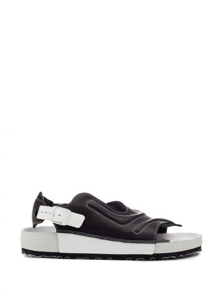 Белые с ремешком сандалии с декоративной отделкой Birkenstock