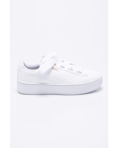 Белые кроссовки Puma