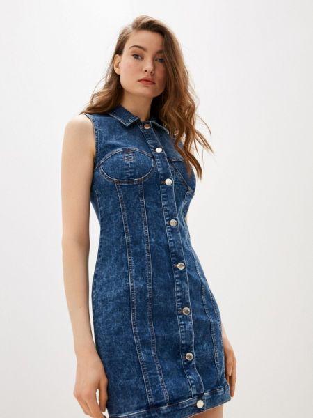 Джинсовое платье синее весеннее Love Moschino