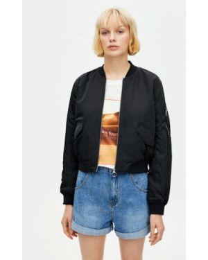 Утепленная куртка черная осенняя Pull&bear