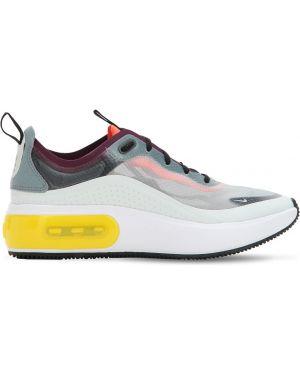 Кроссовки с логотипом Nike