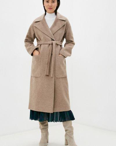 Бежевое пальто синар