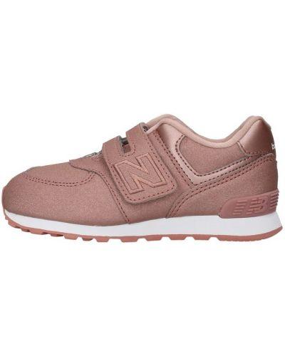 Różowe trampki niskie na rzepy z paskiem New Balance