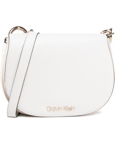 Biały torebka na łańcuszku Calvin Klein